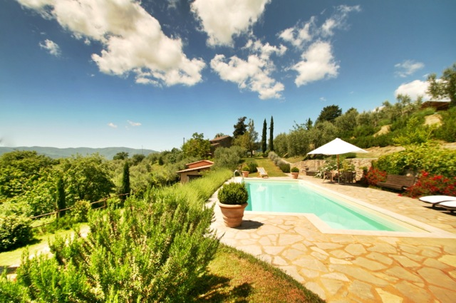 Ca de Muito, a holiday villa in the Niccone Valley, Tuscany Umbria border, Italy