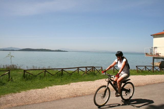 Cycling around Lake Trasimeno, Umbria