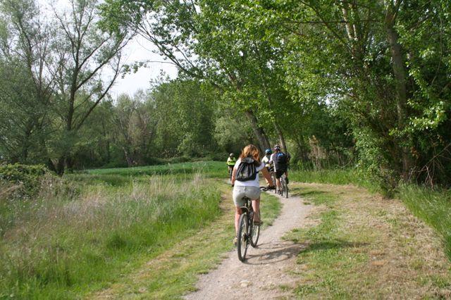 Cycling around Lake Trasimeno in Umbria