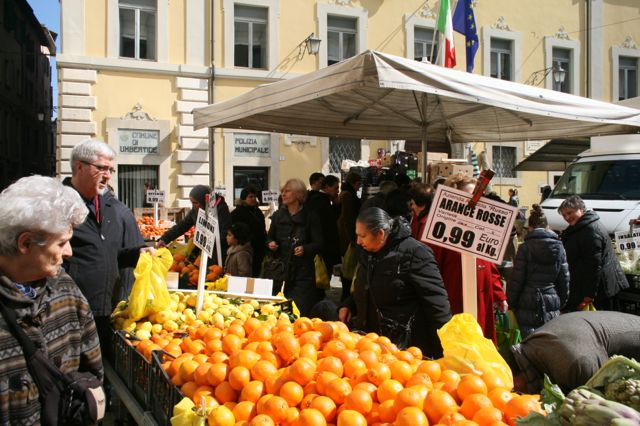 Oranges for sale at Umbertide Market