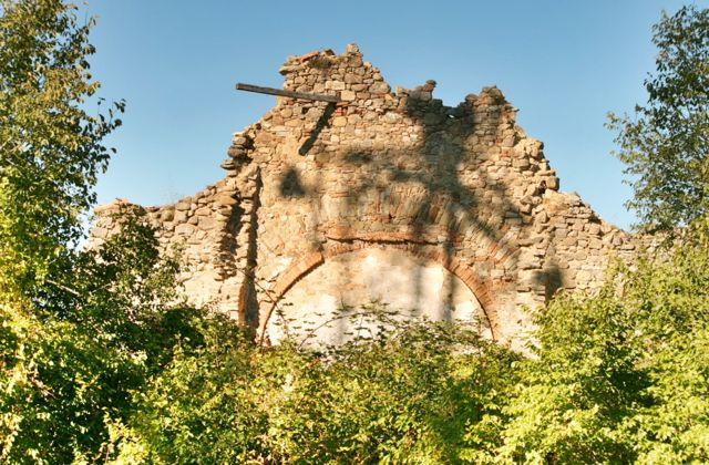 The ruins of the chapel at Sant'Anna