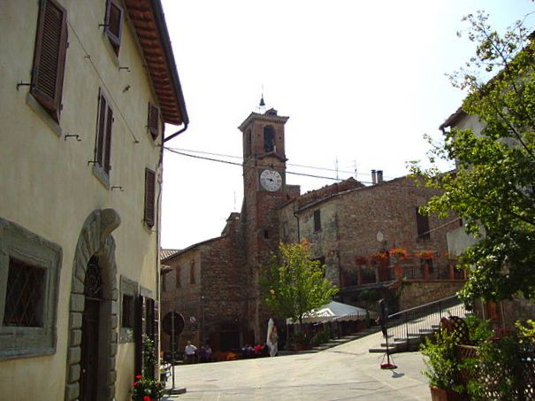 The piazza in the centre of Citerna