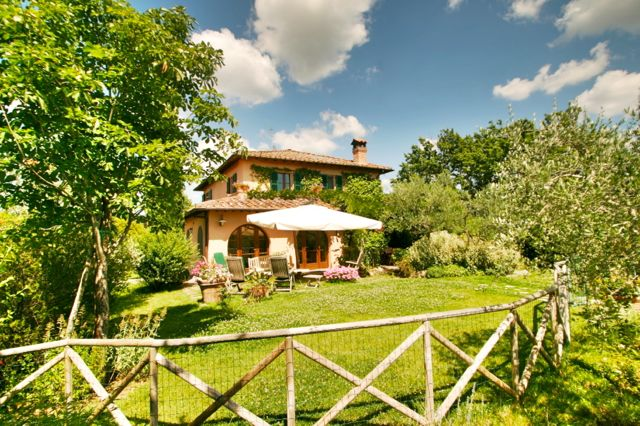 La Lucciola, a 3 bedroom holiday villa on the Tuscany Umbria border, Italy