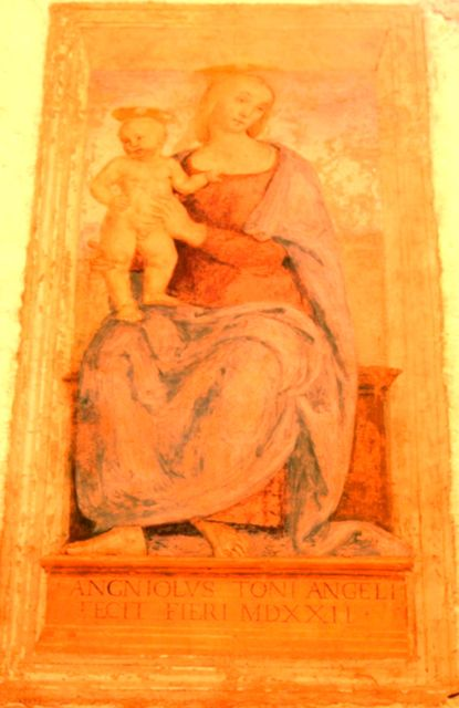 Perugino's Madonna con Bambino in Fontignano, Umbria