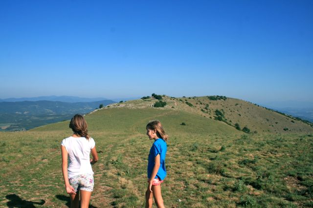 Walking on Monte Tezio in Umbria