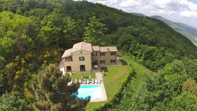 Villa Forconi is a spacious villa set in a quiet, secluded location.