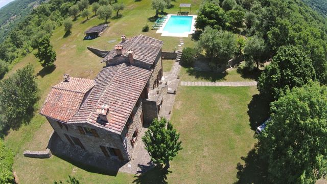 An aerial view of Casa degli Ulivi, villa on the Tuscany Umbria border