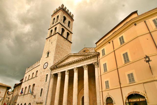 The temple of Minerva in assisi, Umbria